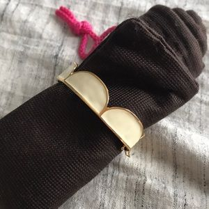 Kate Spade Scallop clasp bangle -great condition